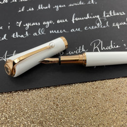 Montblanc Pre-Owned Montblanc Special Edition Muses Marilyn Monroe Pearl Fountain Pen Fine