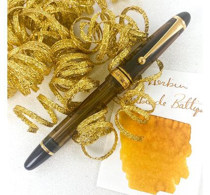 Pilot Pre-Owned Pilot Custom 823 Amber Fountain Pen Medium