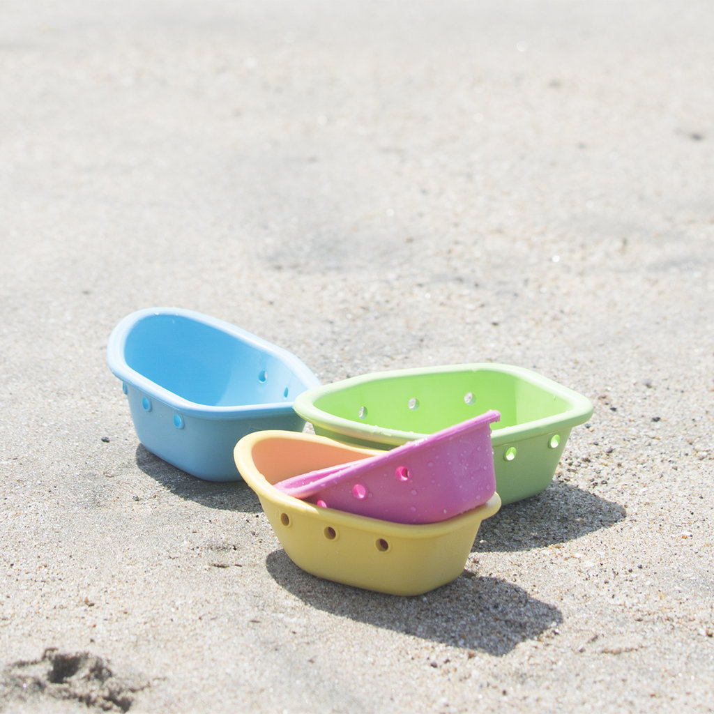 IPLAY Sprout Ware® Floating Boats