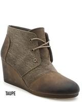 Fabric wedge with leather toe/heel