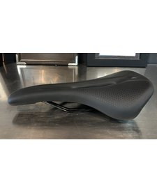 Phenom Comp Saddle Blk 143