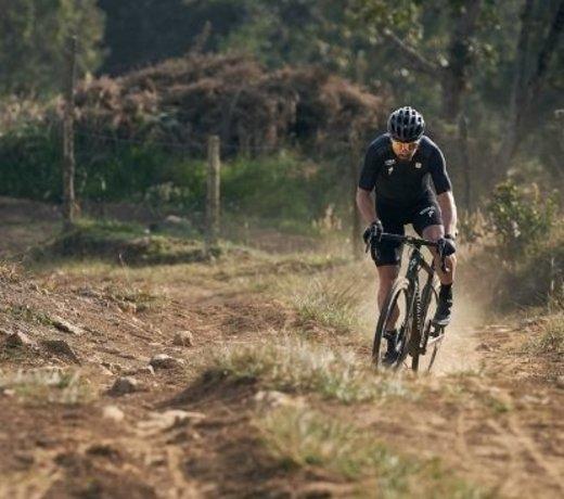 Gravel & Adventure Bikes