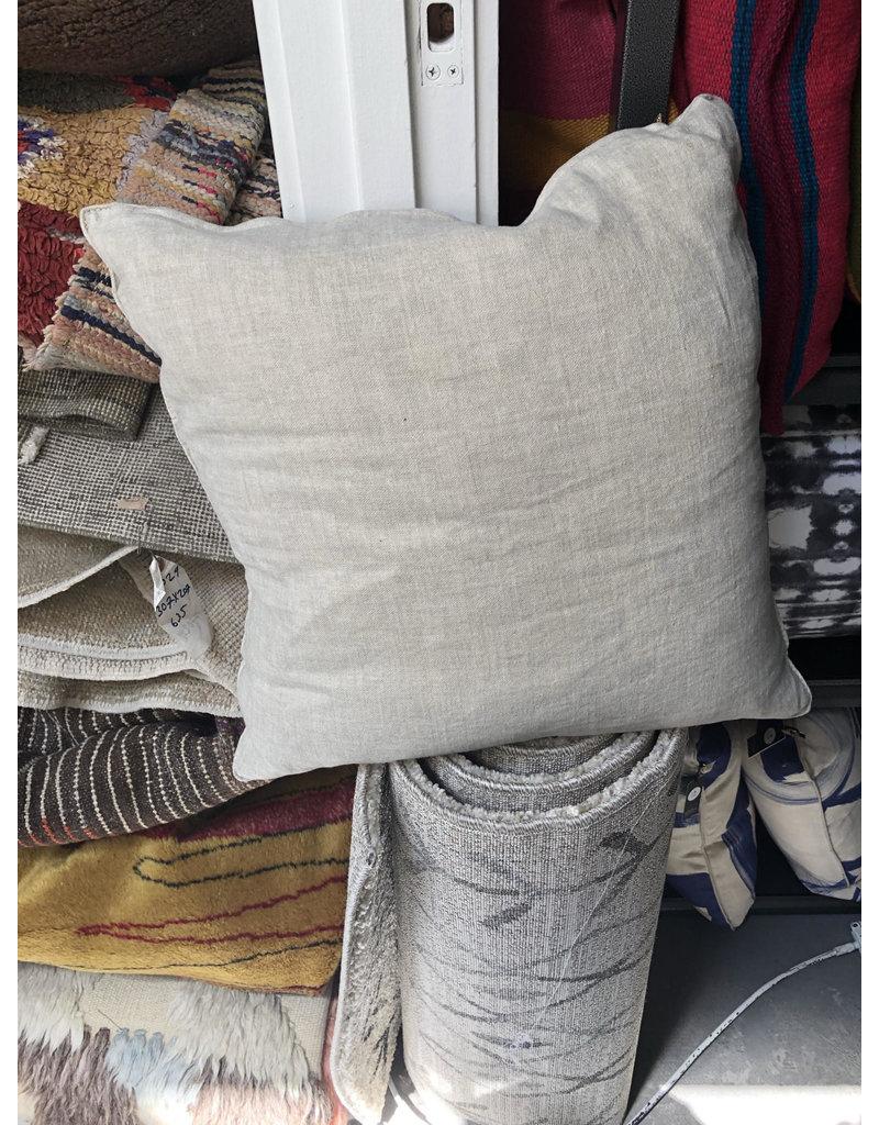 Boulder Pillow - beige - medium