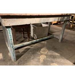WOODEN TABLE S1911370