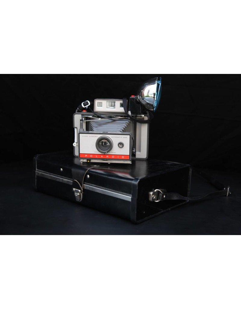 Antique Polaroid with Case, 01