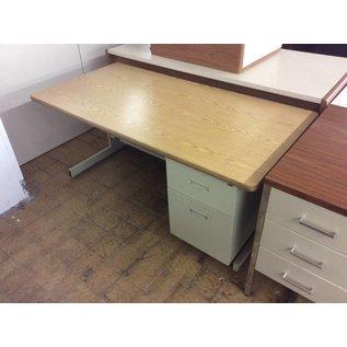 """30x60x27"""" Beige metal R/Ped Desk (9/10/18)"""