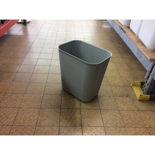Gray plastic Trash Can (10/15/2020)