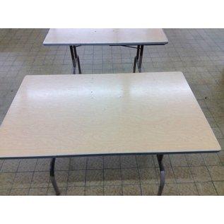 4ft folding table (11/7/18)