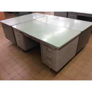 "30x60x29"" Lt Gray Steelcase dbl pen desk (11/1/18)"