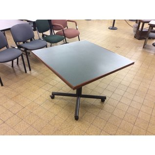 "36x36x29"" Dining table on castors (11/6/18)"