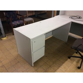 "25x60x29 3/4"" Lt Gray metal L/pedi desk (11/6/18)"