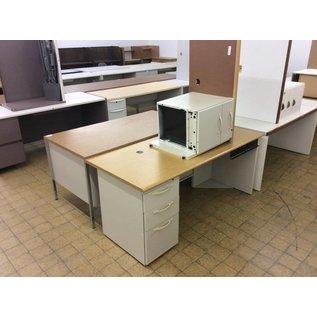 """29 1/2x66x28 3/4"""" Beige metal L/ped R/return desk (11/6/18)"""