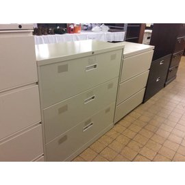 "18x42x41 1/4"" beige 3 drawer Lat. file (11/12/18)"
