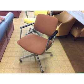 Brown padded side chair with metal frame and castors (12/10/18)