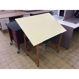 30x42 Wood drawing/drafting table (2/719)