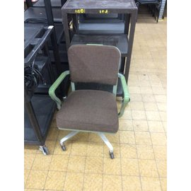 green frame brown padded Steelcase desk chair w/arms & castors 1/22/19