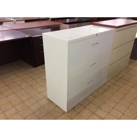 """18x42x41 1/2"""" Tan metal 3 dr. lateral file cabinet (10/10/19)"""