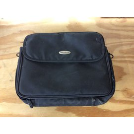 Belkin laptop bag - small  (5/15/19)