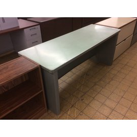 "24x66x28 2/4"" Steelcase Lt gray/green top work table (6/18/19)"