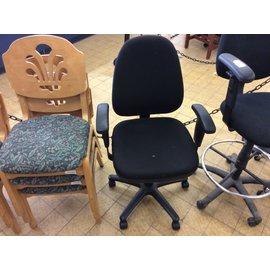 Black desk chair (8/21/19)