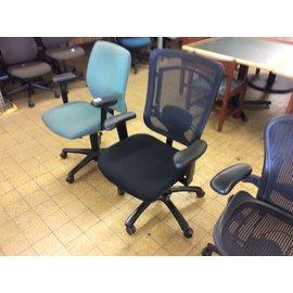 Black mesh back desk chair (8/22/19)