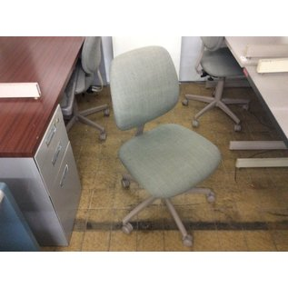 Green desk chair w/o arms - slightly stained (10/03/19)