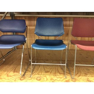 Lue plastic seat stacking chair (10/30/19)