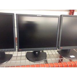 "17"" Lenovo lcd Monitor (3/10/2021)"