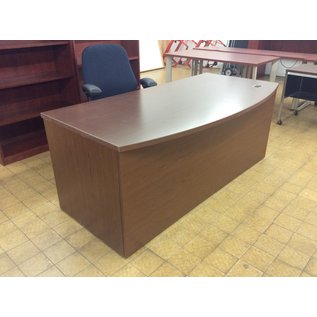 "36x72x29"" Wood R/pedestal desk (12/10/19)"