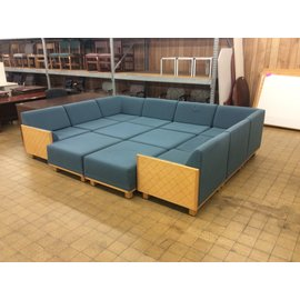 91x121x91 Blue 12pc sectional couch (1/16/2020)