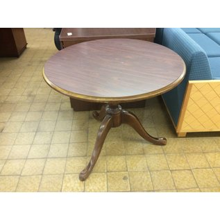 "34"" Wood round table (1/9/2020)"
