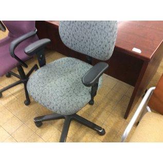 Green pattern desk chair (1/14/20)