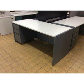 "30x70x29 3/4"" Gray metal L/ped Desk (2/12/2020)"