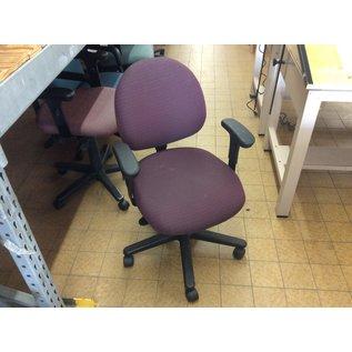 Maroon pattern desk chair (4/21/2020)