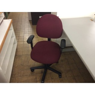 Maroon desk chair (4/21/2020)