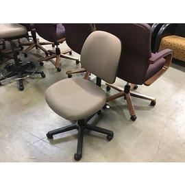 Brown desk chair (10/09/20)