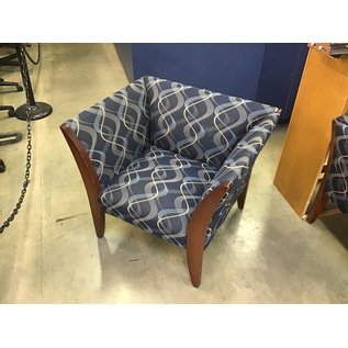 Blue pattern wood frame lounge chair (10/13/2020)