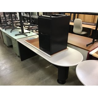 "29 1/2x72x29 1/2"" Gray/black L/return desk (10/13/2020)"