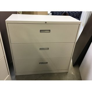 Beige 3 drawer lateral file cabinet (10/15/20)