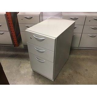 "15x23 1/2x27"" Tan metal 3 dr cabinet on castors (10/20/2020)"