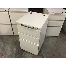 "15x18x27"" Beige metal 3 dr cabinet on castors w/handle (10/20/2020)"