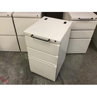 "15x18x27"" Beige metal 3 dr cabinet on castors w/handle (10/20/2020)"