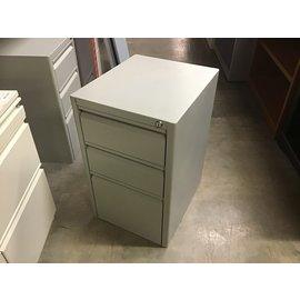 "16x19x25 3/4"" Lt gray 3 dr metal cabinet (10/20/2020)"