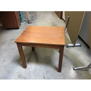 "20x24x20"" Oak wood end table (10/21/2020)"