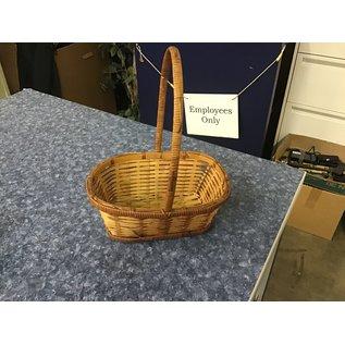 Small wicker basket w/handle (11/10/20)