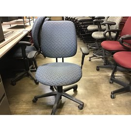 Blue pattern desk chairs w/arms (11/18/20)
