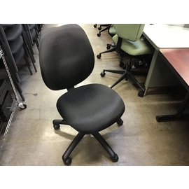 Black cloth desk chair on castors (11/18/20)