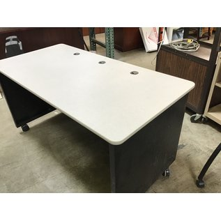 "30""x60""x32"" Mobile computer work table  (11/18/20)"