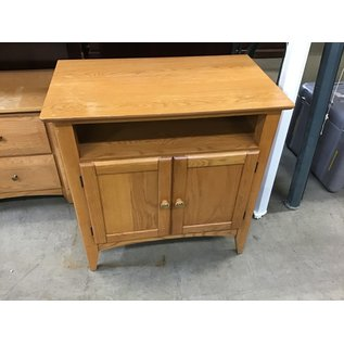 """18""""x31""""x32"""" wooden table  (11/18/20)"""