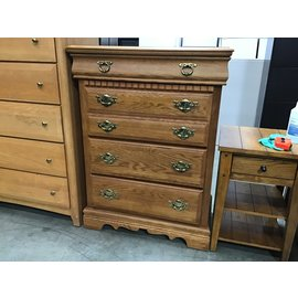 "18""x33""x44""Basset oak 4 drawer dresser (1/20/21)"